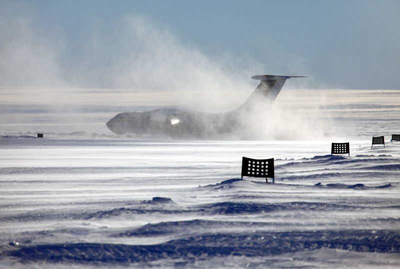 33-goda-nazad-il-76td-sovershil-posadku-antarktide